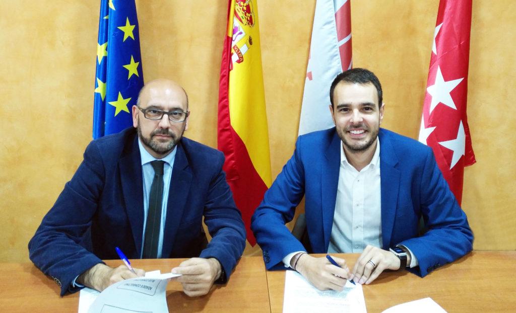 El Grupo ADADE/E-Consulting Firma Un Acuerdo De Colaboración Con La Empresa Internacional BLUE CONSULTING